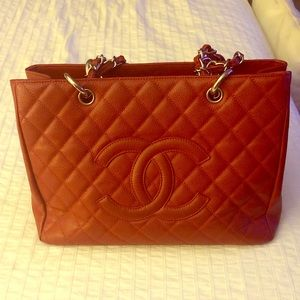 Chanel caviar quilted shopping tote bag